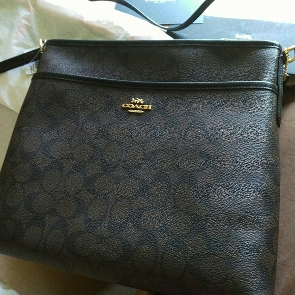 Authentic coach sling bag c11fa04930ba6